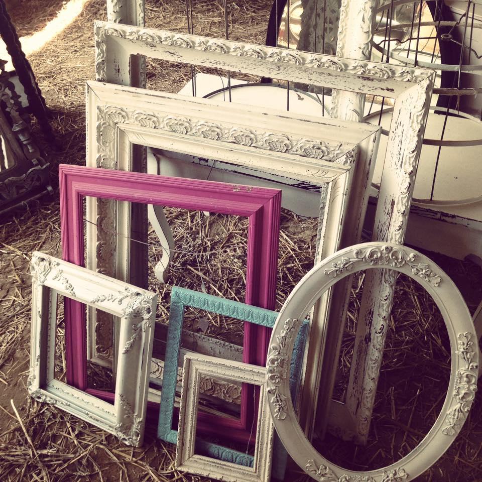 Nashville flea market frames