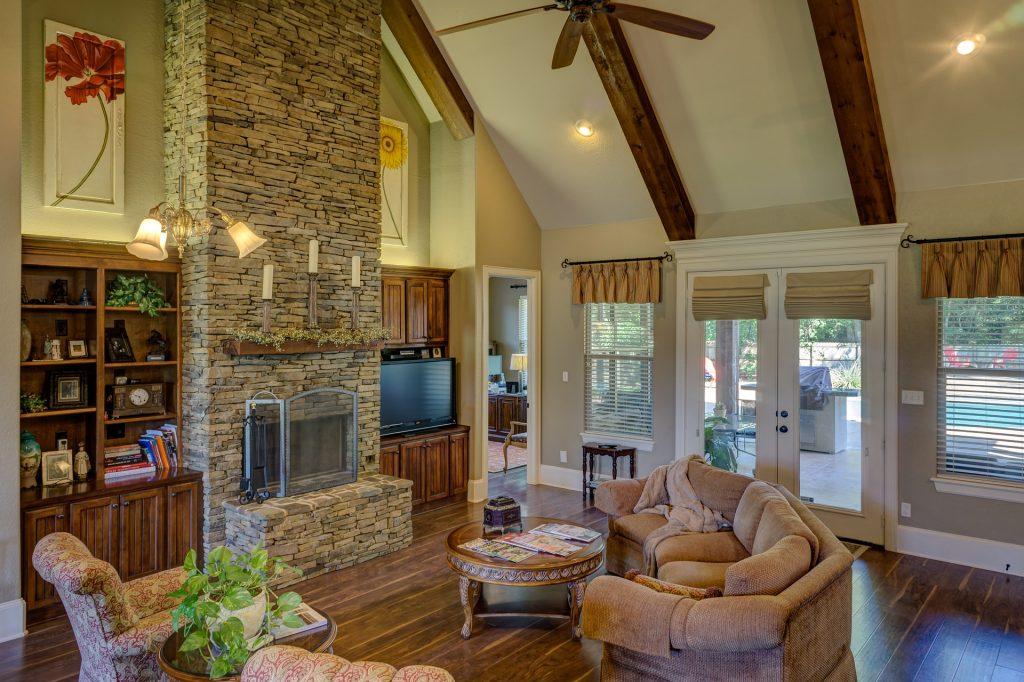 decluttered-living-room