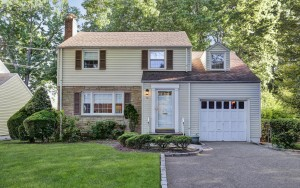 Colonial Home for Sale in the Plaesantdale Section of West Orange