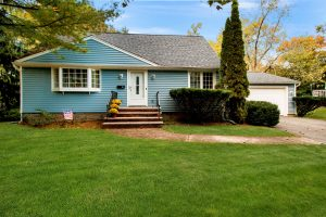 4 Bedroom Expanded Cape Cod in West Caldwell, NJ