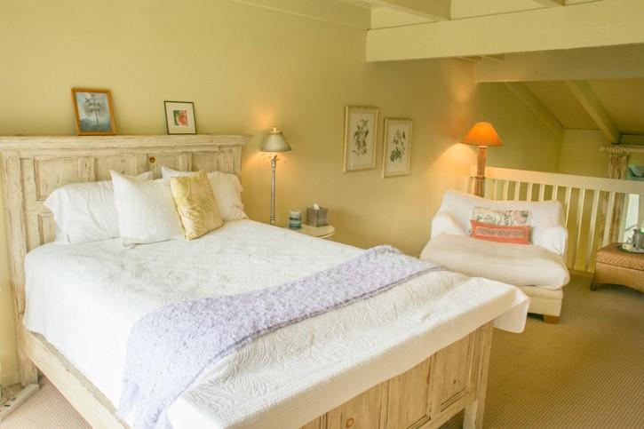 Puamana_2nd_story_bedroom_Kauai_condo_oceanview_Princeville