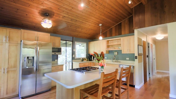 4445 Hookui Kilauea Home For Sale on Kauai Chef's Kitchen oversized corner lot large garage penthouse