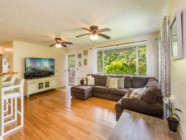 Living-Room-One--2-of-2-.jpg_800x600_2357082