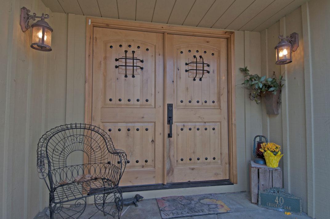 WELCOMING ENTRY wcustom front doors