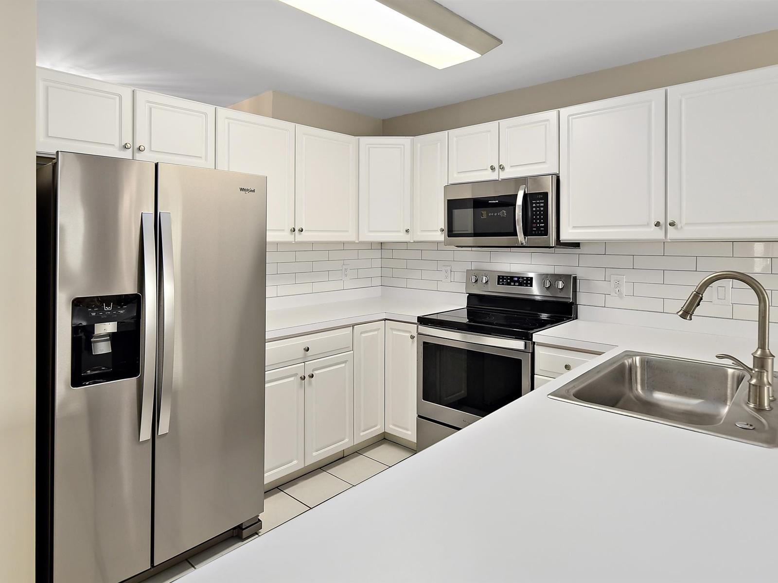 Baywatch III 304A kitchen