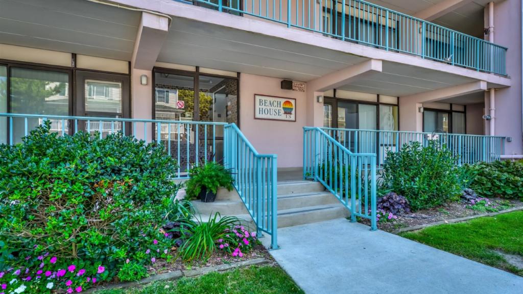 Beach House #405., Ocean City MD