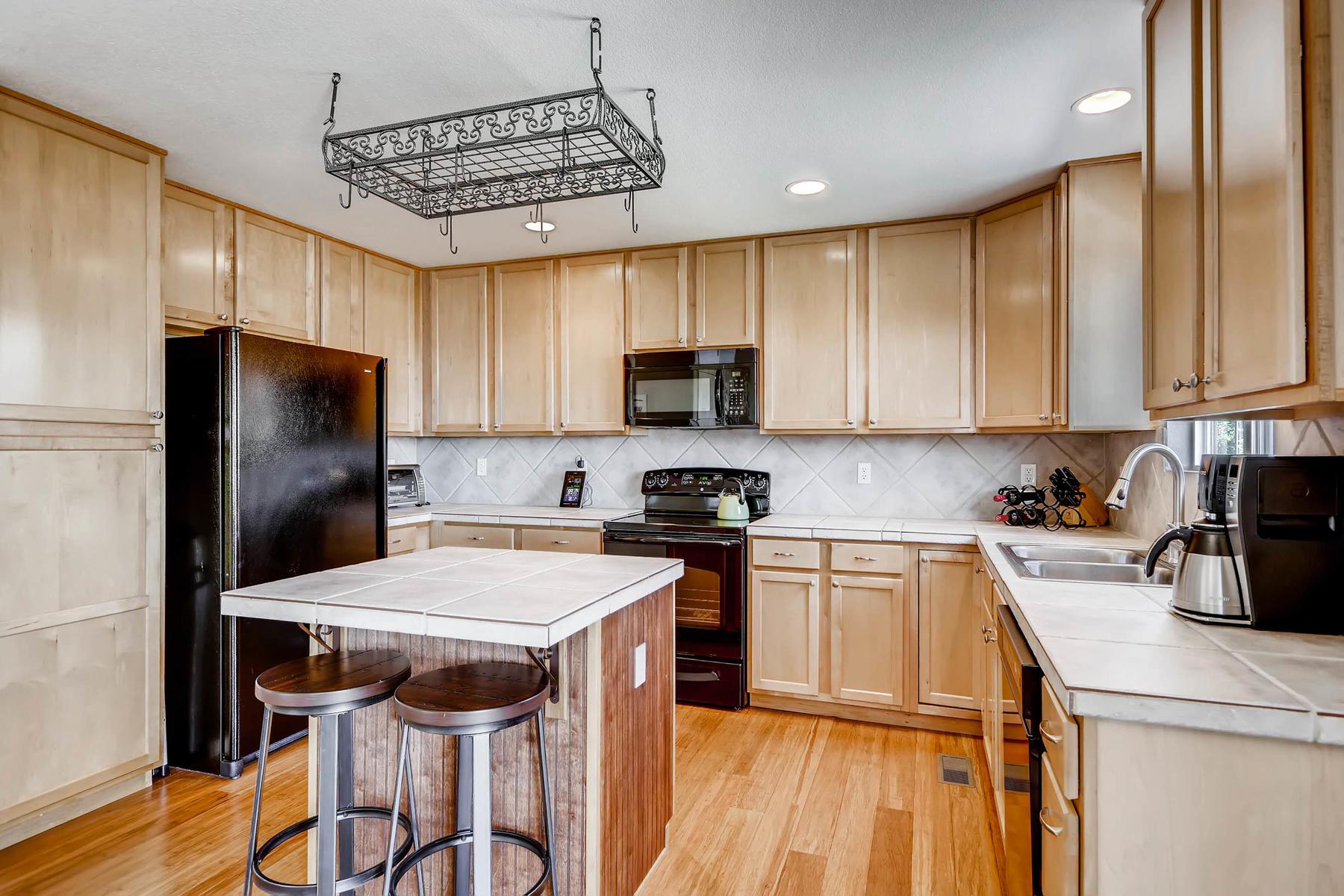 13815 e 107th ave commerce mls_size 009 11 kitchen 18001200 72dpi - Commerce Kitchen