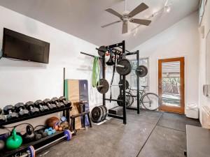 1110 Algarita Ave Austin TX-MLS_Size-021-23-Gym-1024x768-72dpi