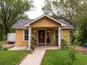 5008 Delores Ave Austin TX-MLS_Size-001-4-Exterior Front-1024x768-72dpi