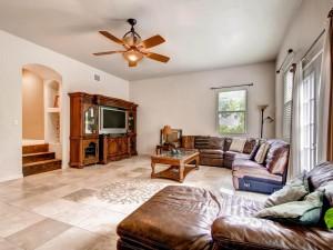 5008 Delores Ave Austin TX-MLS_Size-013-10-Family Room-1024x768-72dpi
