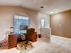 1337 Lochaline Loop-MLS_Size-007-7-Living Room-1024x768-72dpi