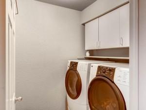 1337 Lochaline Loop-MLS_Size-023-20-Laundry Room-1024x768-72dpi