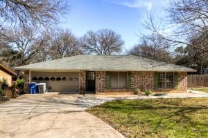 2303 Farnswood Circle Austin-large-001-1-Exterior Front-1500x1000-72dpi