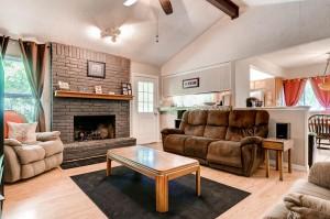13307 Perthshire Street Austin-large-004-1-Living Room-1500x994-72dpi