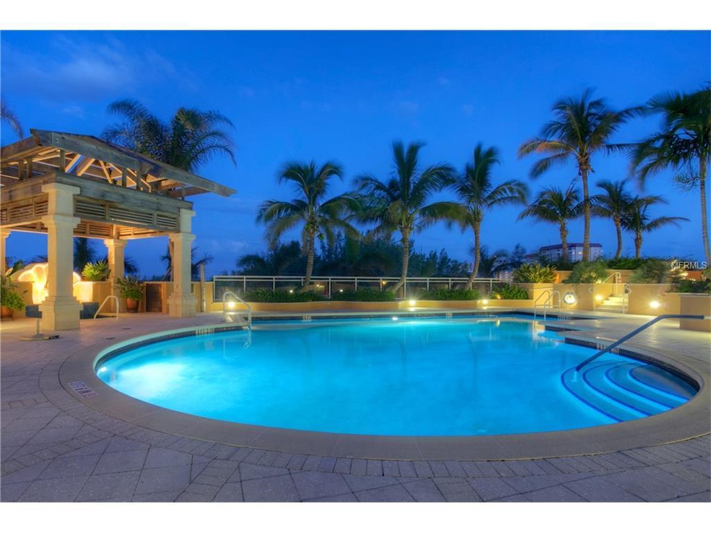 Beach Residences Pool, Lido Key