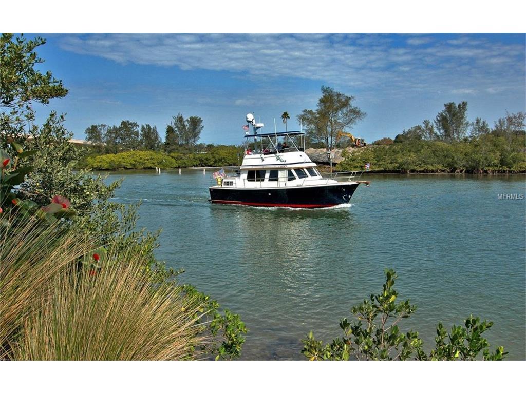 Boating into Venice Island, Florida