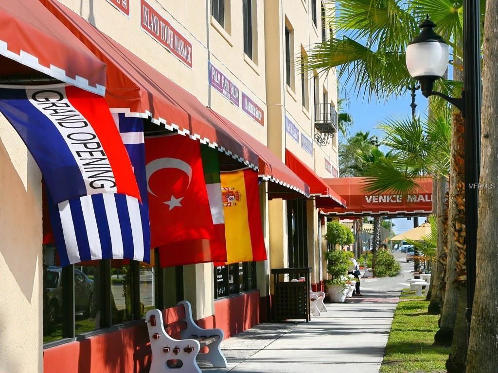 Venice Florida Boutique Shopping Mall