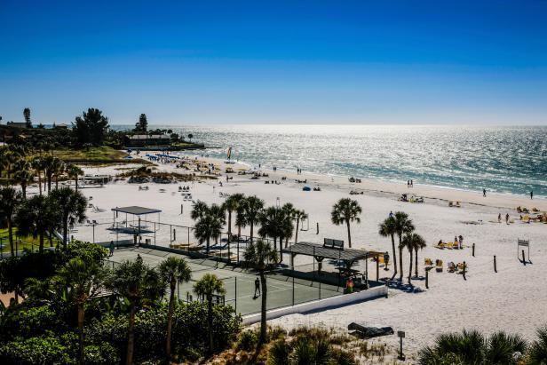iStock-000054197084_Sarasota-Florida-Siesta-Key.jpg.rend_.hgtvcom.616.411