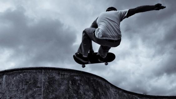 Skateboarding-close-up-wallpaper-1920x1080[1]