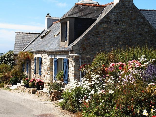 cottage-535753_640