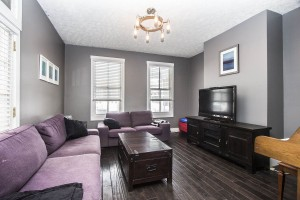 681 Kerr Street Columbus, OH 43215 Living Room_1