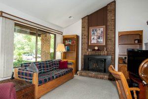 4421 Coldbrooke Court Living Room