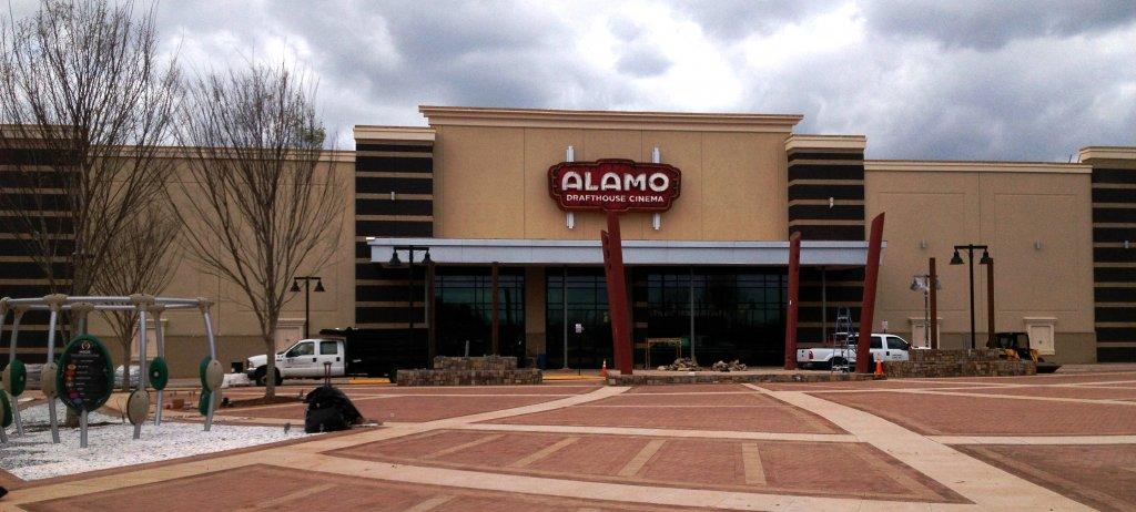 Alamo plaza 2