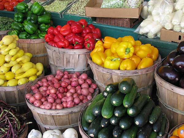 Farmers Market - Image Credit: https://www.flickr.com/photos/nataliemaynor/2539937014
