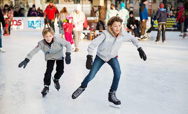 Skating - Image Credit: https://pixabay.com/en/users/ferobanjo-22932/