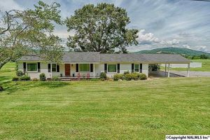 Equestrian Property in Guntersville, AL