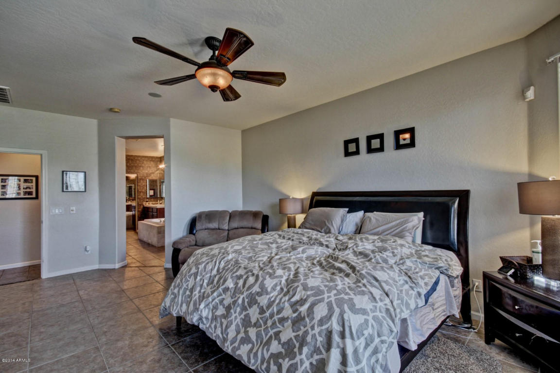 Gilbert az homes for sale higley groves homes with a for Master bedroom downstairs
