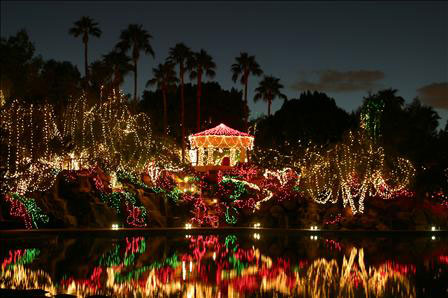 holiday-lights-val-vista-lakes-clubhouse | The Daniel Montez Real ...