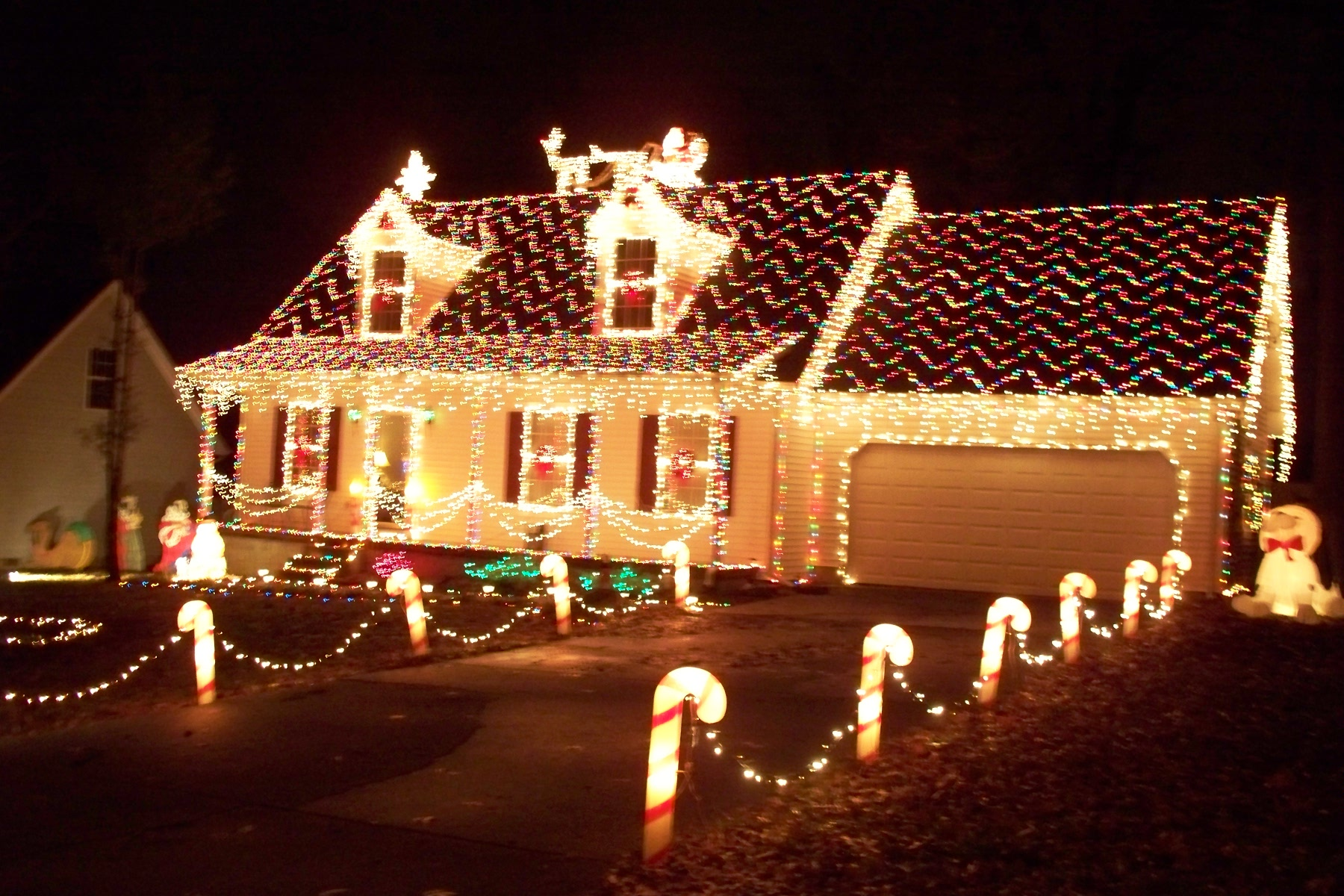 7 tips to light your home safely for christmas