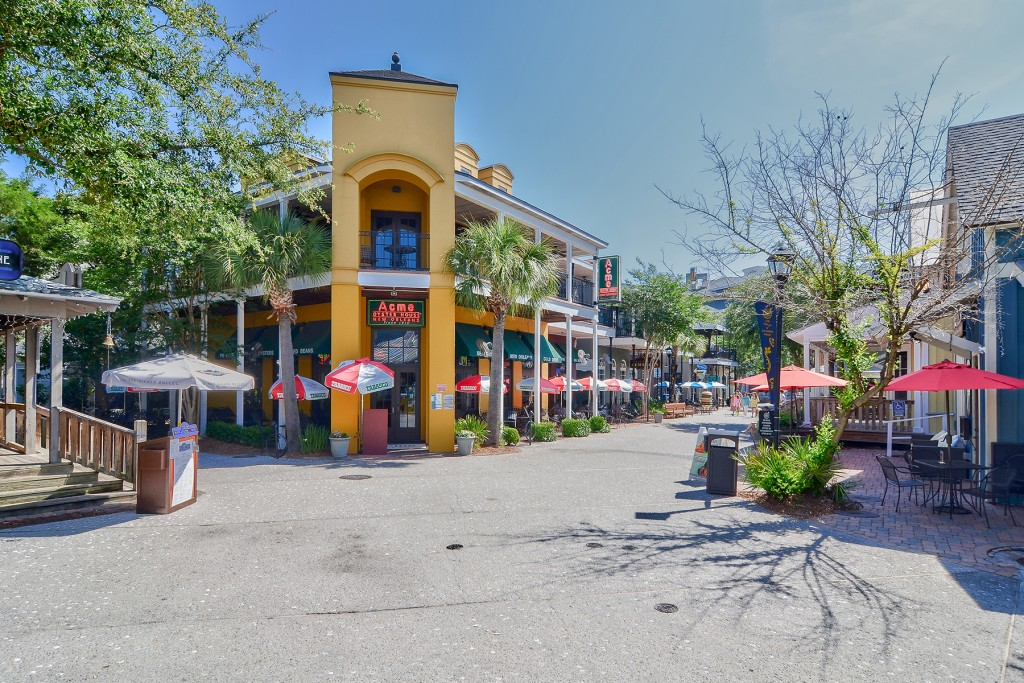 ACME Oyster House at Baytowne Wharf in Sandestin