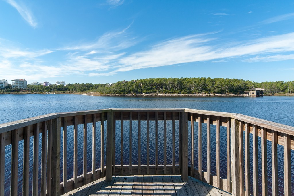 Draper Lake Observation Tower in The Retreat