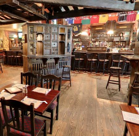 conor-oneills-pub