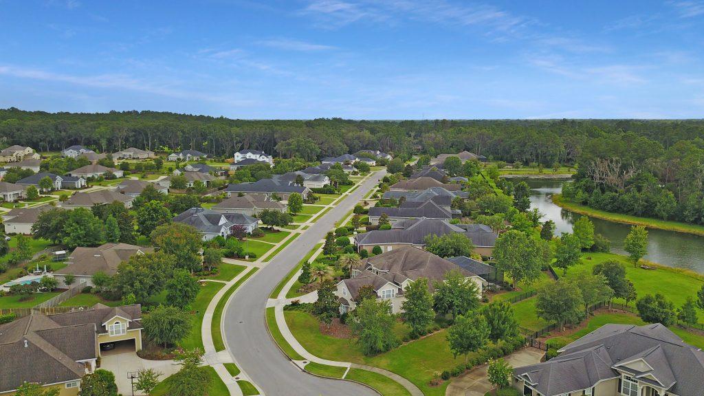 Turnberry Lake Neighborhood Gainesville Real Estate