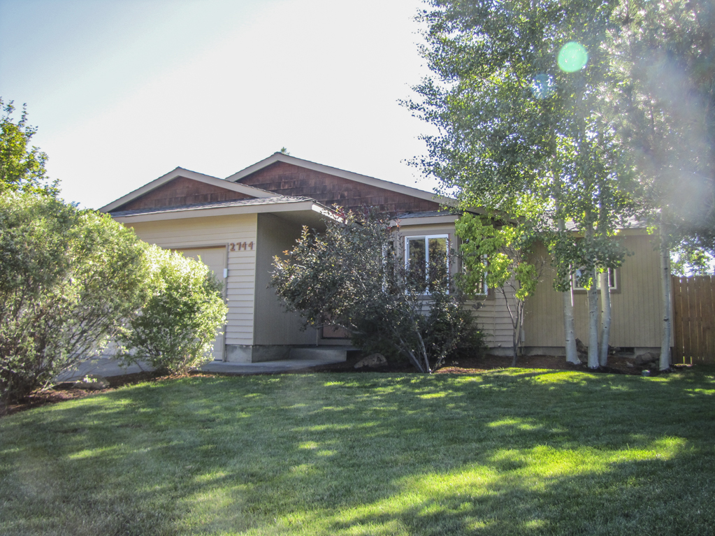 Beautifully Cared for 3 Bedroom, 2 Bathroom Home