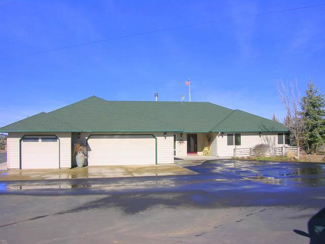 Spectacular 20+ Acre West Powell Butte Estates Home