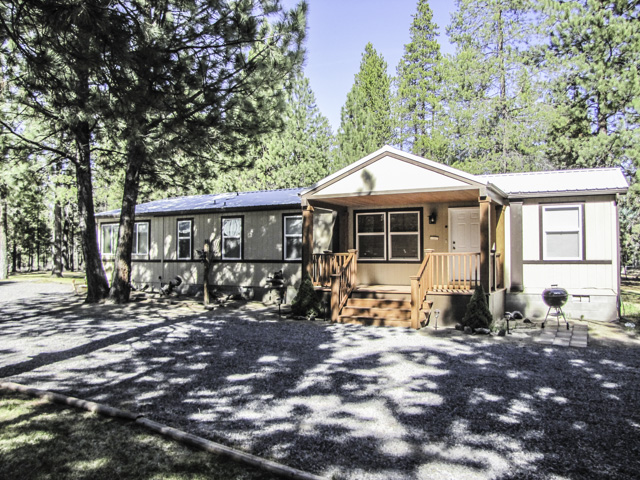 Super clean 3bd 2ba home with a shop - in Ponderosa Pines.