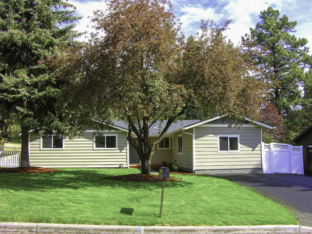 Like New Remodeled NW Bend Cottage!