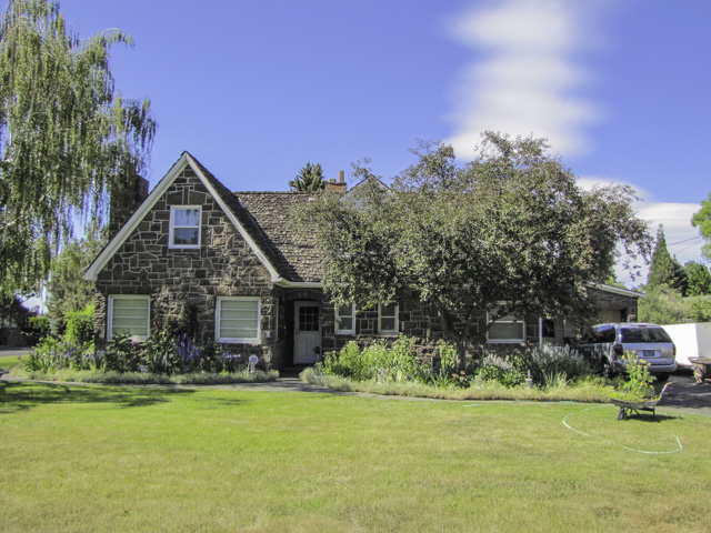 Own a piece of Oregon History, the Old Hodecker Home!