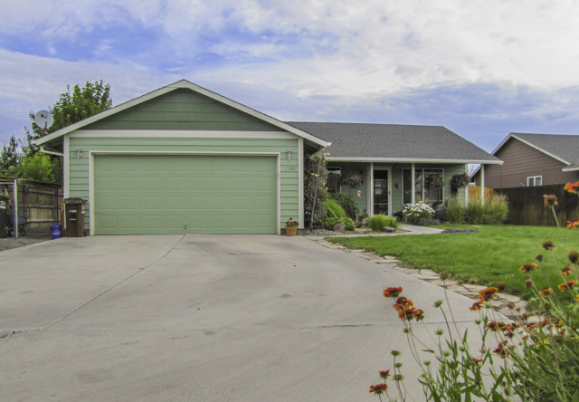 Cute and clean single level home in quiet neighborhood with great privacy!