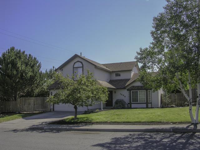 Providence-Bend in a Great Private Setting and Convenient Location!