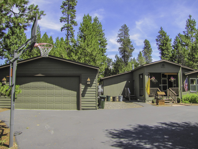 A truly gorgeous single-level 3bed 2bath property!