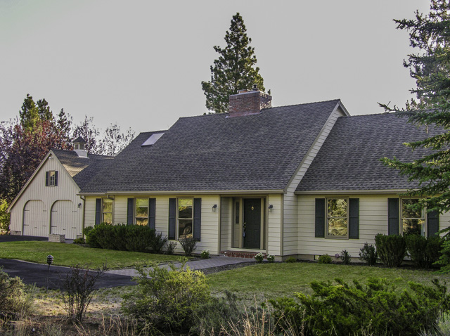3000 square foot Woodside Ranch Home and Shop on 2.3+ Acres!