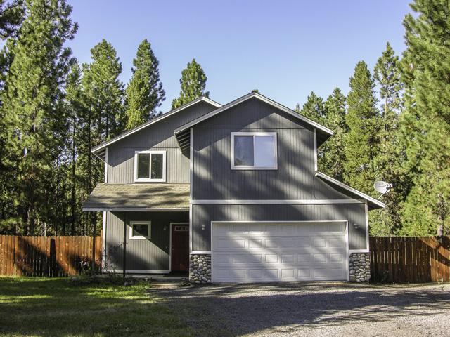 Spacious Custom Built Home on 1 Acre Near State Park!
