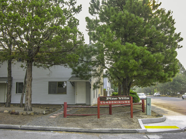 Newly Updated 1160 Square Foot S.E. Bend Condo!
