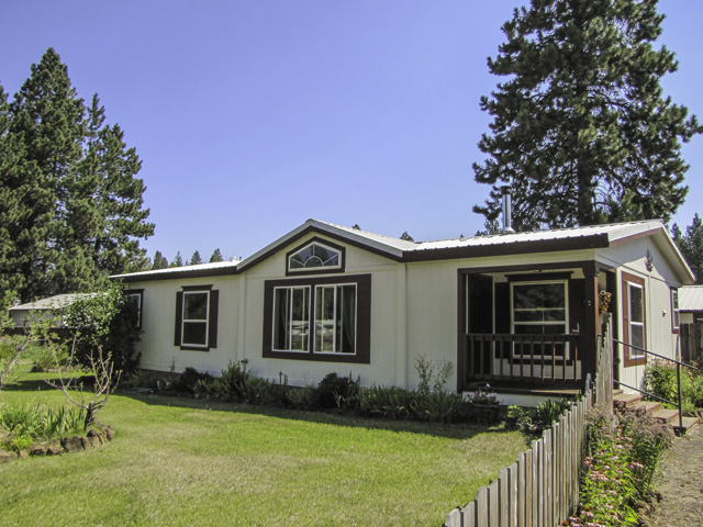 Gorgeous single-level living with forest out back!