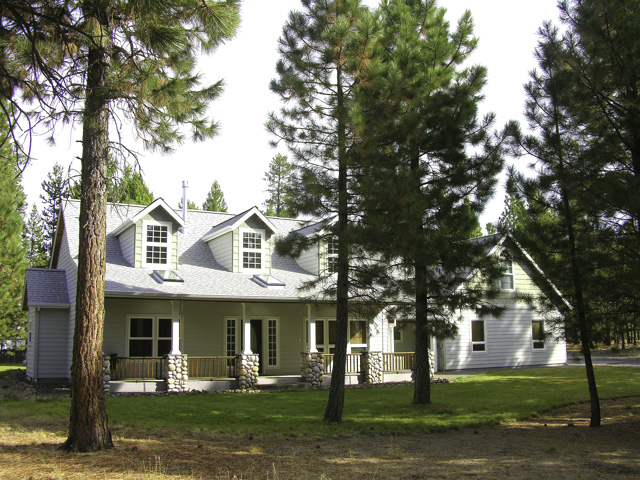 Custom NW 2700 Square Foot Home and 2700 Square Foot Shop on 1.9 Acres!